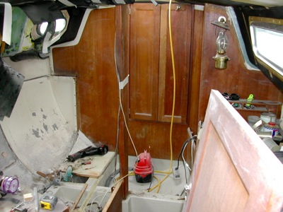 Replacing the main bulkhead in Quagmire